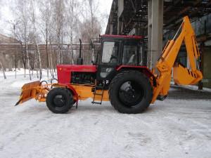 Экскаватор с фронтальным отвалом Борекс – 2203 на базе трактора BELARUS